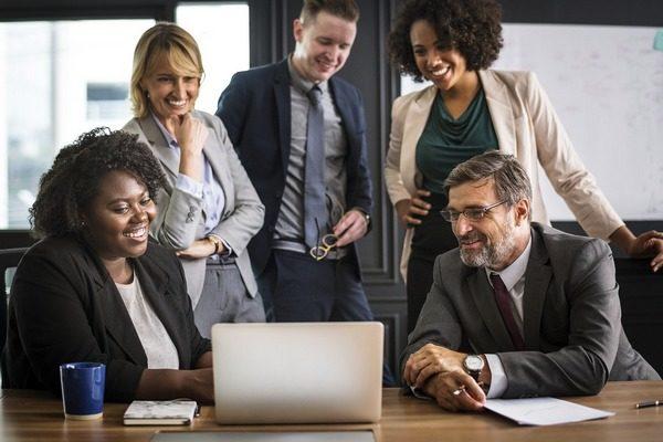 Rola planów kariery i sukcesji w firmie na zmieniającym się rynku pracy.