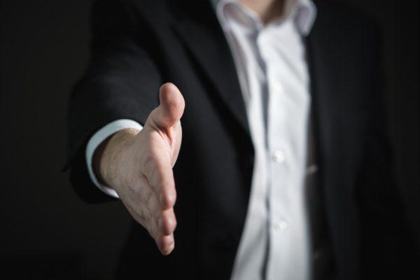 Jak zawrzeć partnerską umowę z klientem?